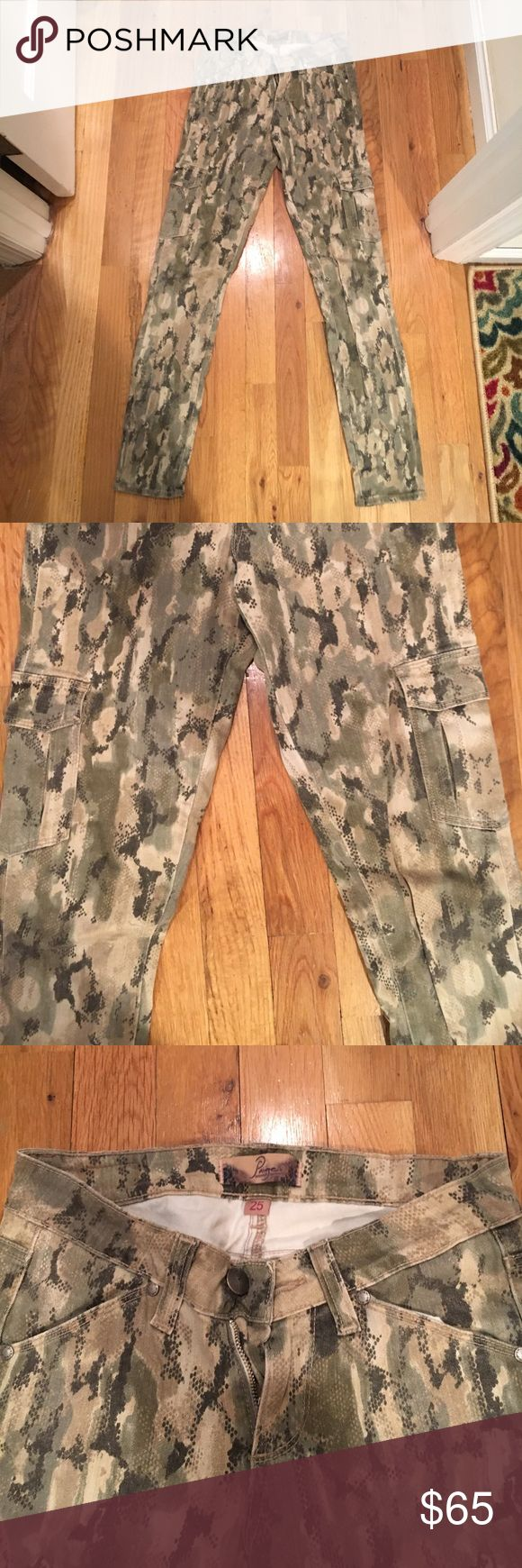 Paige old school camouflage skinny cargo jeans Paige - tightly fitted skinny jeans, camouflage pattern. Cargo pockets on sides above knees and regular pockets up by waist Paige Jeans Pants Skinny