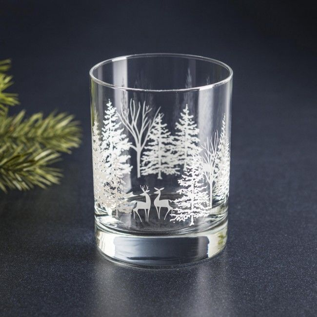 Add some festiveness this to your dinners this season with the Libbey Xmas Wonderland Glass.