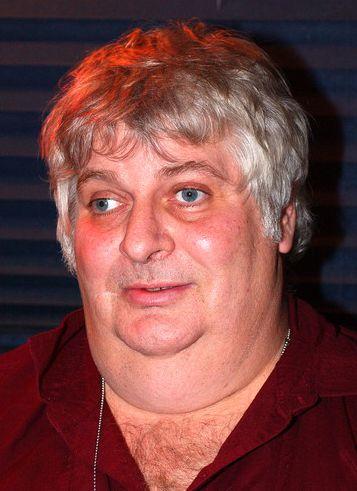 † Vincent Margera (59) 15-11-2015  'Don Vito' speelde een rol in de vele grappen die Bam Margera en zijn maten uithaalden in de tv-shows Jackass en Viva La Bam en ook in de Jackassfilms.