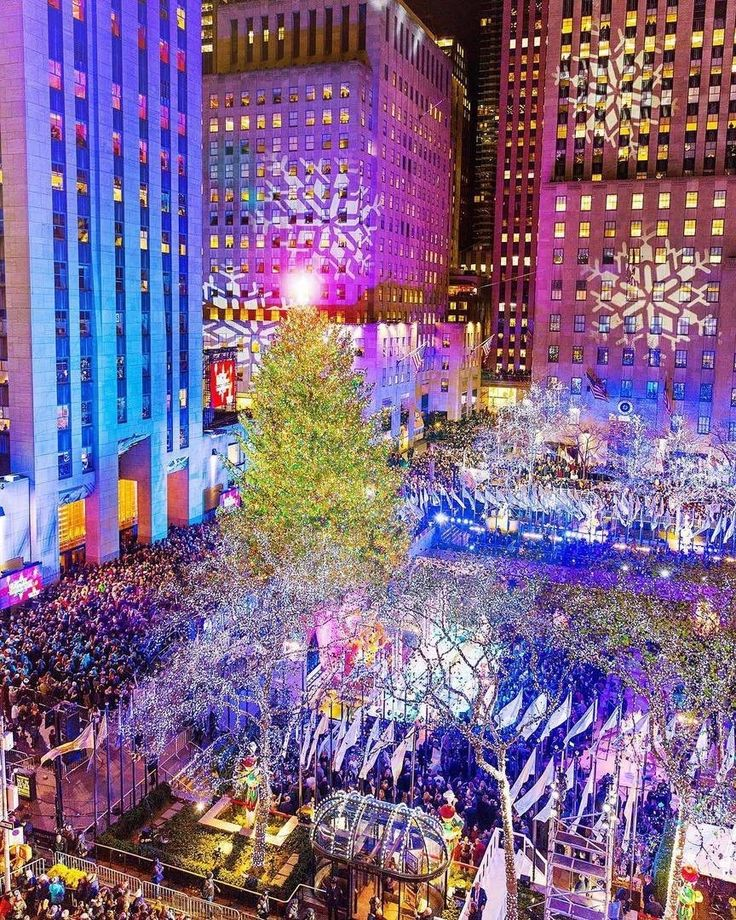 Rockefeller Center Christmas Tree by @empirestyleofmind by newyorkcityfeelings.com - The Best Photos and Videos of New York City including the Statue of Liberty Brooklyn Bridge Central Park Empire State Building Chrysler Building and other popular New York places and attractions.