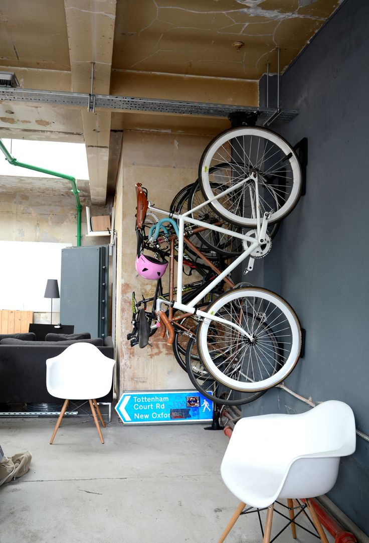 Look jeremy s bicycle rack apartment therapy - Cycloc Cool Vertical Bike Storage Www Cycloc Com