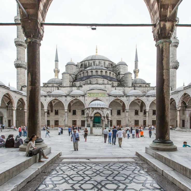 1. Blue Mosque: The Blue Mosque (Sultan Ahmet Camii in Turkish) is definitely one of the places you have to see, regardless of how much time you have in the city. With its six minarets dominating the Istanbul skyline, this is one iconic structure that's hard to miss.