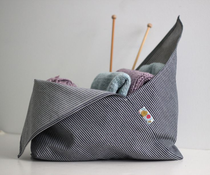 Medium Bento Bag - Project Bag - Knitting Bag - Origami Bag - Reusable Shopping Bag by sweetKM on Etsy https://www.etsy.com/listing/248305840/medium-bento-bag-project-bag-knitting