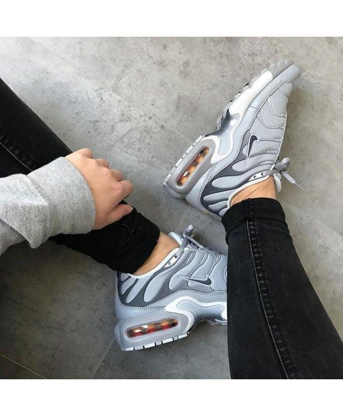 Nike Air Max Plus Tn Wolf Grey Cool Grey Black Yakamoz Enleri Nike Schuhe Frauen Nike Schuhe Damen Nike Schuhe