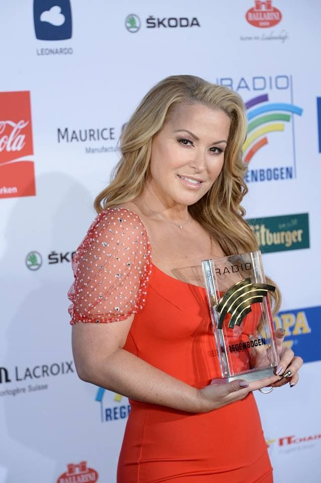 NEWS: Another photo of Anastacia at the Radio Regenbogen Awards.