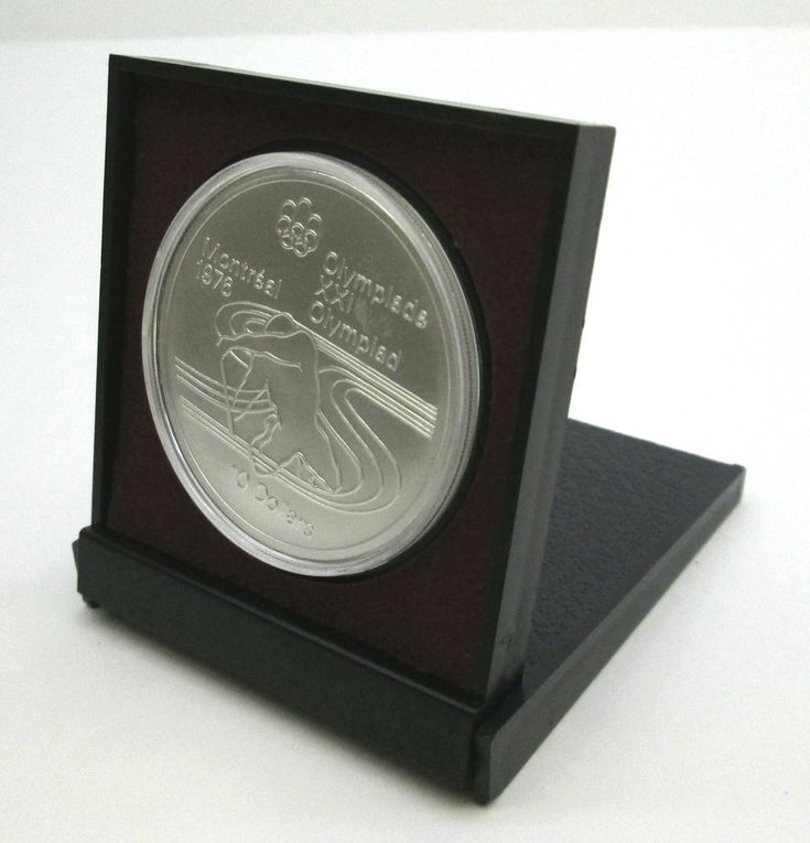 THE PADDLER 10 DOLLAR SILVER COIN 1976 Canada Montreal Olympics w/display holder
