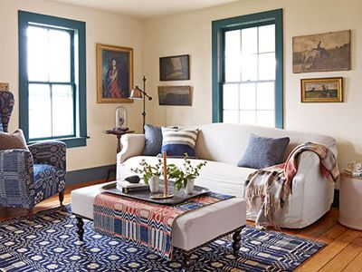 Americana Living Room---- LOOK AT THOSE BLUE WINDOWS!! I love this fun pop to transform an otherwise boring wall color