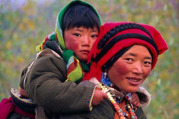 Bagaimana warga Tibet bertahan hidup di daratan tinggi, dengan kondisi rendah oksigen yang bagi banyak orang sulit bisa bertahan? Mereka mungkin telah menerima bantuan dari sumber yang tak terduga.