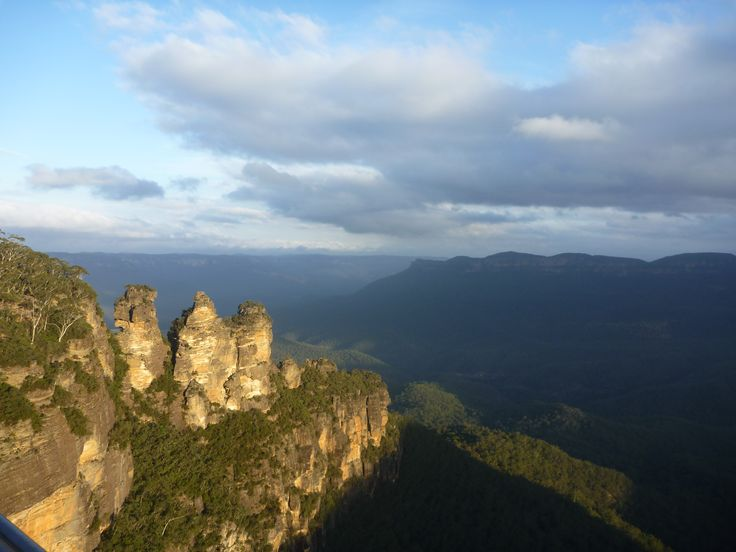 Three Sisters, Blue Mountains, New South Wales.