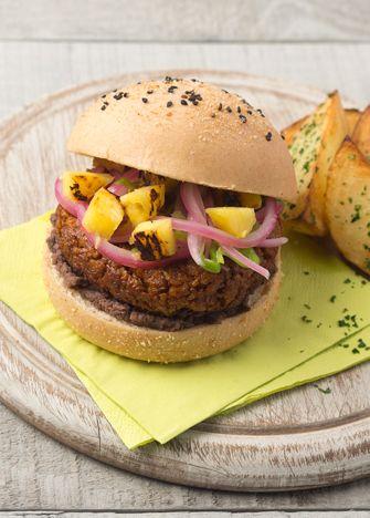 ¿Qué tal si este fin sorprendes con una deliciosa hamburguesa de soya al pastor y piña? ¡Manos a la obra! Recetas con soya. Carne de soya. Hamburguesas.