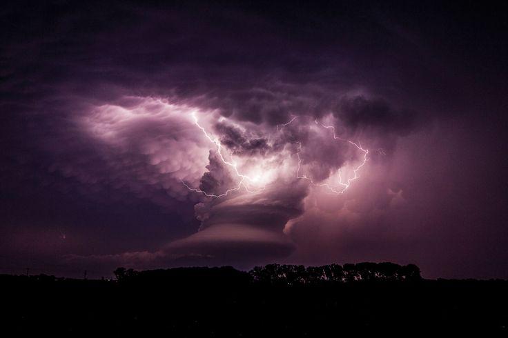 Super celula de tormenta, Galería de Imágenes. Imágenes tomadas con el permiso de relámpago: naturaleza y cultura por Derek M. Elsom, Reaktion reserva el Ltd.