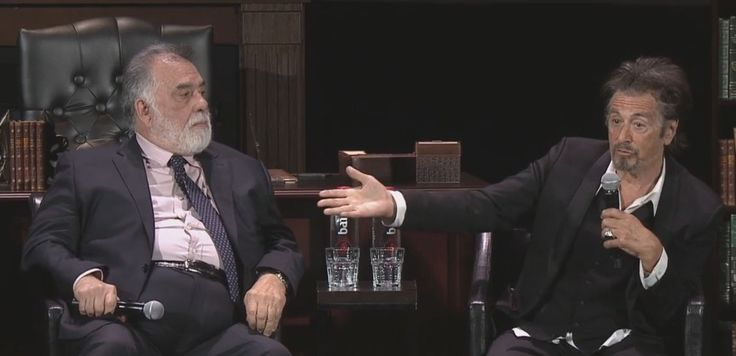 O diretor Francis Ford Coppola e o ator Al Pacino se reuniram com resto do elenco de 'O poderoso chefão' na comemoração de 45 anos do filme no festival de Tribeca (Foto: Reprodução/Facebook/Tribeca)