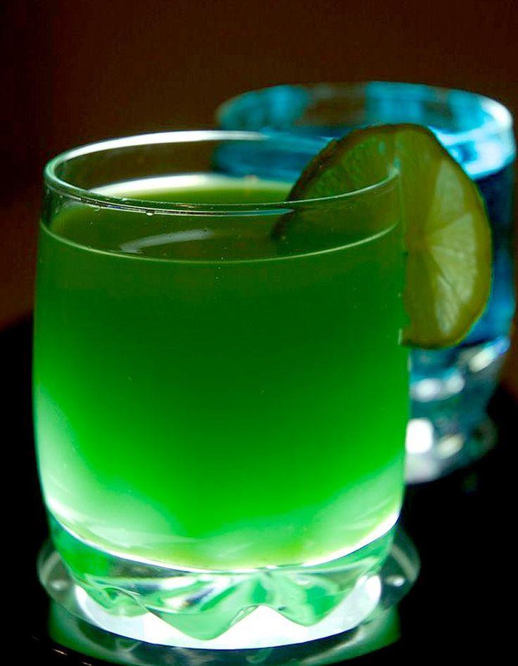 COCKTAILS SANS ALCOOL - Le plus vert - jus de carotte bio, jus de concombre frais, jus de pamplemousse frais, essence de basilic