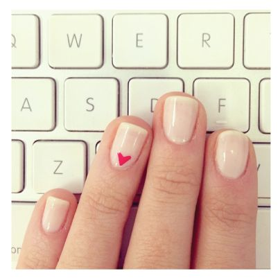 cute nails- with a yellow heart instead... same on feet with yellow heart on big toe...PLK omnivorus.com