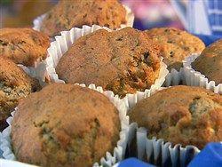 Gezonde muffins met appel, honing en rozijnen