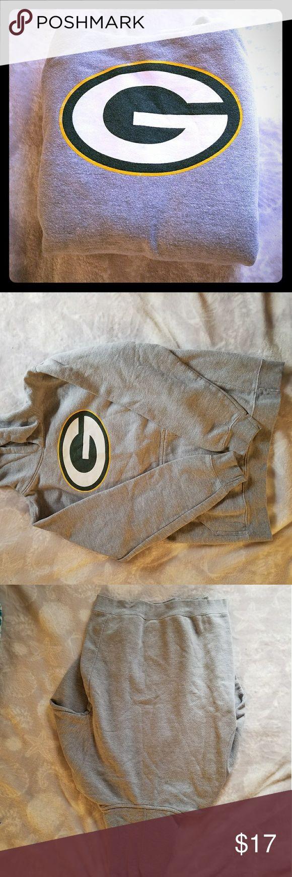 SIZE XS-S Womens Green Bay Packer Hoodie Small Grey Womens Packer Hoodie💛💚 Good condition😄 Reebok Tops Sweatshirts & Hoodies