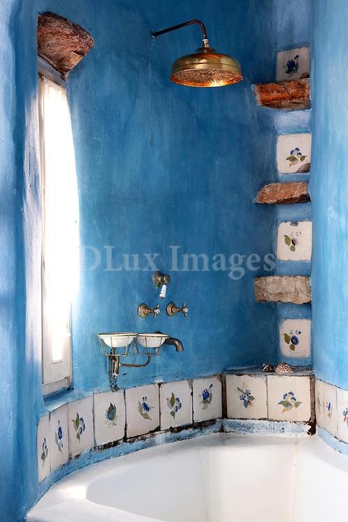 cycladic blue bathroom