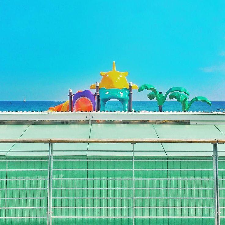 Toys #minimal #minimalmood #rsa_minimal #sky #sea #igersliguria #igersitalia #snapseed #vsco #vscocam