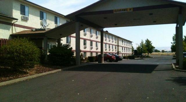 Super 8 Walla Walla - 2 Star #Hotel - $60 - #Hotels #UnitedStatesofAmerica #WallaWalla http://www.justigo.biz/hotels/united-states-of-america/walla-walla/super-8-walla-walla_117326.html