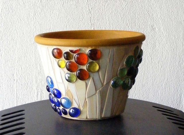 Mosaic pot with lots of glass nuggets | Judit Bozsár | Flickr