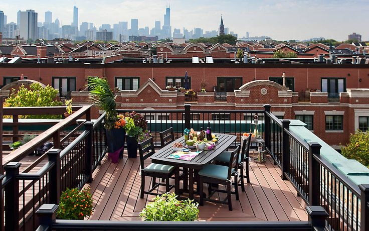 Living in a city doesn't mean you have to give up living outdoors – Trex decking and railing are perfect for roof-top decks!