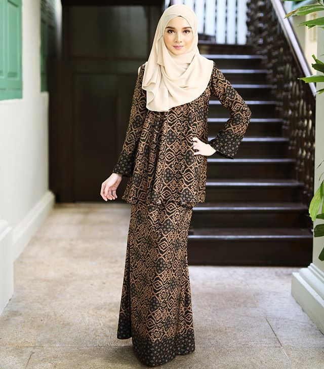 """Batik Halus Sutera""💕 #minimalace"
