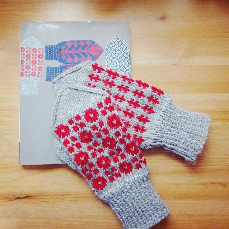 Knit , Mitten ©Love Favorite