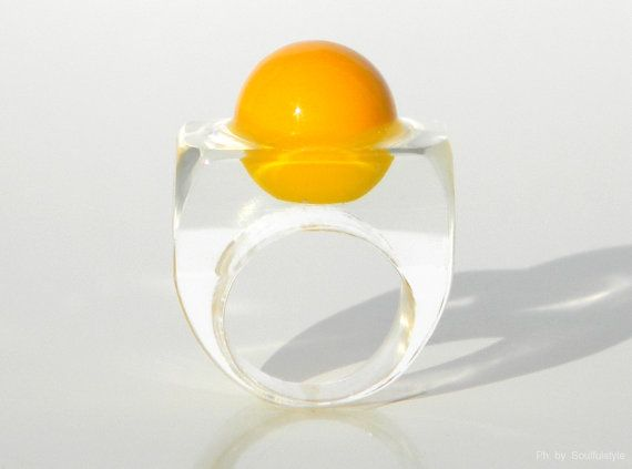 Handmade Modern Resin Ring in Yellow by SOULFULSTYLE on Etsy, €32.70