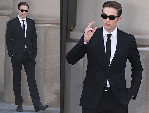 ROBERT PATTINSON!!!!! HE LOOKS VERY NICE