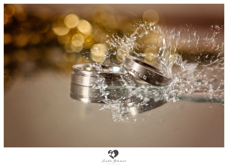 #ring #weddingring #wedding #groom #bride #braut #bräutigam #geschenk #present #love #forever #fuerimmer #engagement #engagementring #verlobung #verlobungsring #silver #gold #weddinghour #water #splash