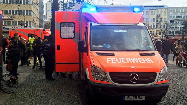 ICYMI: FOTO: 6 heridos al embestir un coche a un grupo de peatones en Alemania