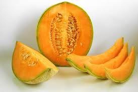 26 MELON - El melón ya se cultivaba en el Antiguo Egipto durante el III milenio a. C., y su cultivo se extiende por la mayoría de los continentes. El cultivo en general sufrió un gran avance con la llegada delle en España en cuanto al cultivo del melón hasta la segunda mitad del siglo XX.
