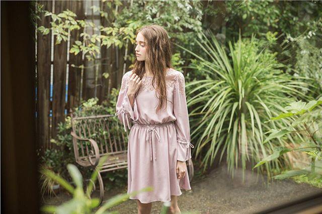 . . 《pre-order》 WEB STOREにて 2017 Spring item先行受注開催中です♡  InstagramのURLから是非☑︎してみてくださいね(*^o^*) . ☑︎レース刺繍フレアワンピース ¥8,900+tax. . #codenate  #style  #miia #preorder  #fashion  #spring