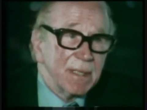 Wilf Mcguinness and Sir Matt Busby talking about Duncan Edwards the star of the busby babes - YouTube