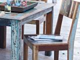 Karos, Rosen, Blumenmuster, Zinn, Eisen und viel Holz sind die wichtigsten Materialien. Typisch für den Shabby Chic sind zarte, überwiegend matte Farben.