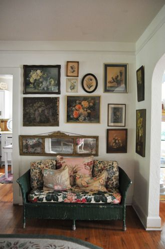 paintings: Interior, Idea, Living Room, Vintage Floral, Gallery Wall, Painting, Art Wall