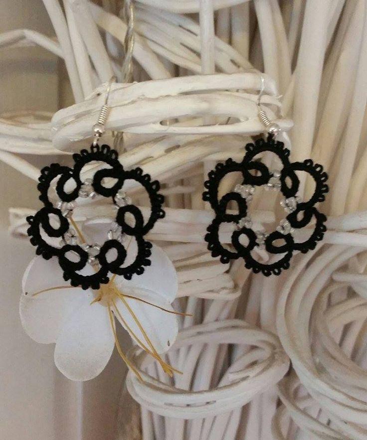 käpypitsi korvikset - tatting earrings