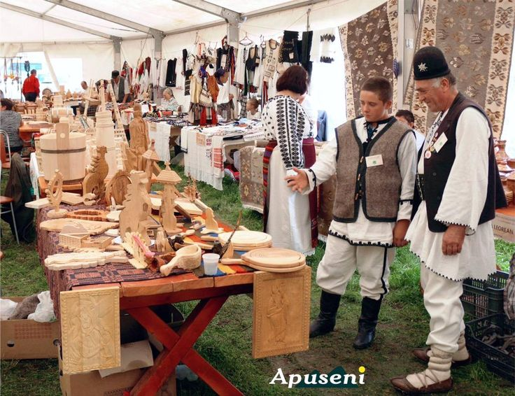 Meanwhile in Apuseni #mountains...traditional merchandise sale expo in Albac #Romania...
