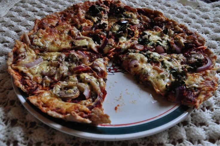 Między Niebem, a Kuchnią...: Pizza na spodzie pszenno-orkiszonym