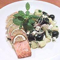 Limemarinoitua uunilohta ja feta-perunasalaattia