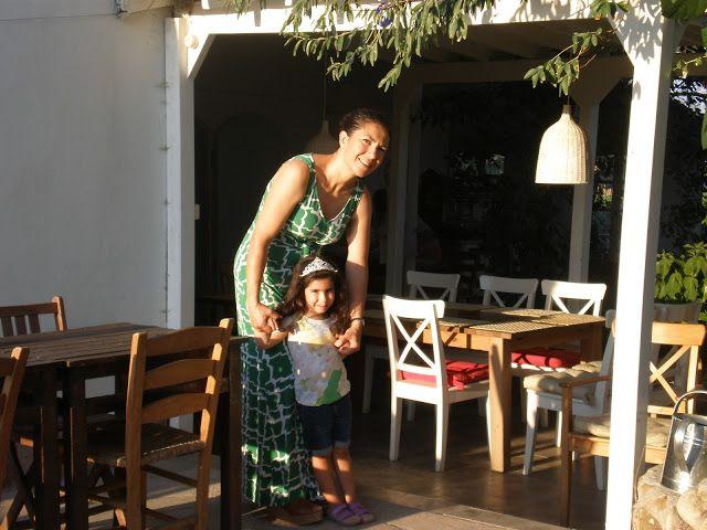 gözkararı yemekler yapan gezente: Bozcaada