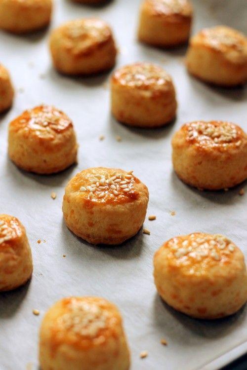Cheddaros minipogácsa recept