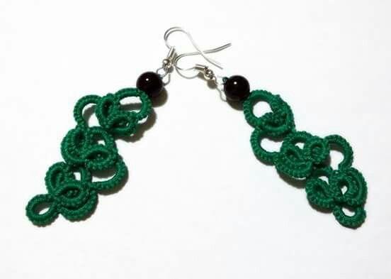 Orecchini verdi con perla nera