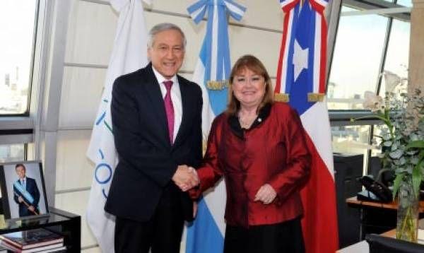 Los cancilleres de la Argentina y de Chile anunciaron la convocatoria del grupo de alto nivel sobre libre circulación de personas