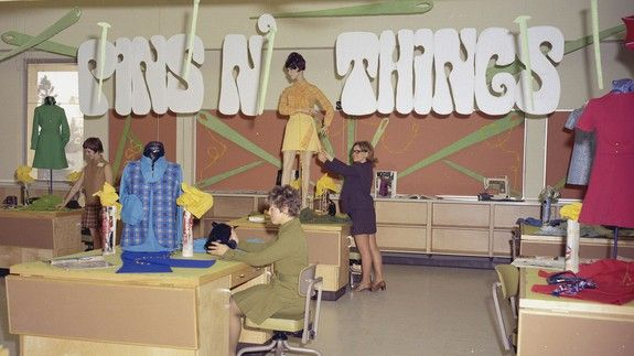 awesome Colourful 1970 pictures take you inside Canadian vocational colleges