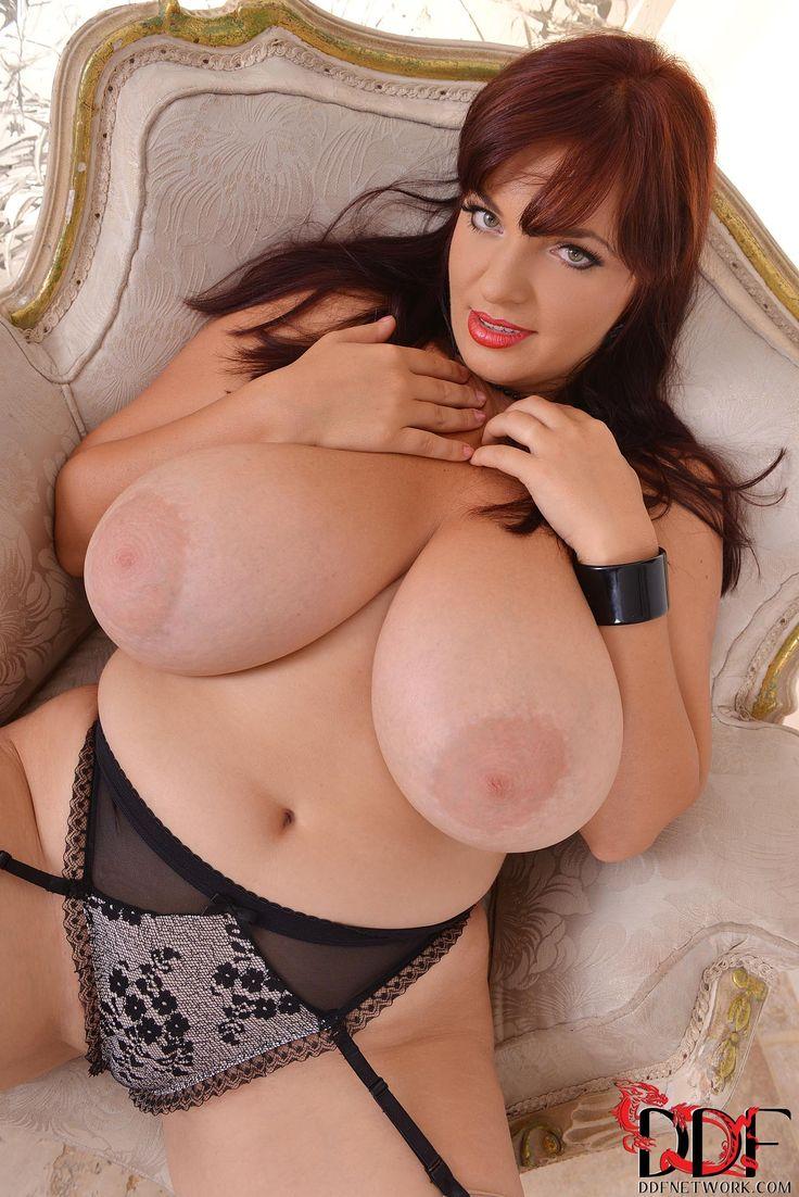 wiki boob size