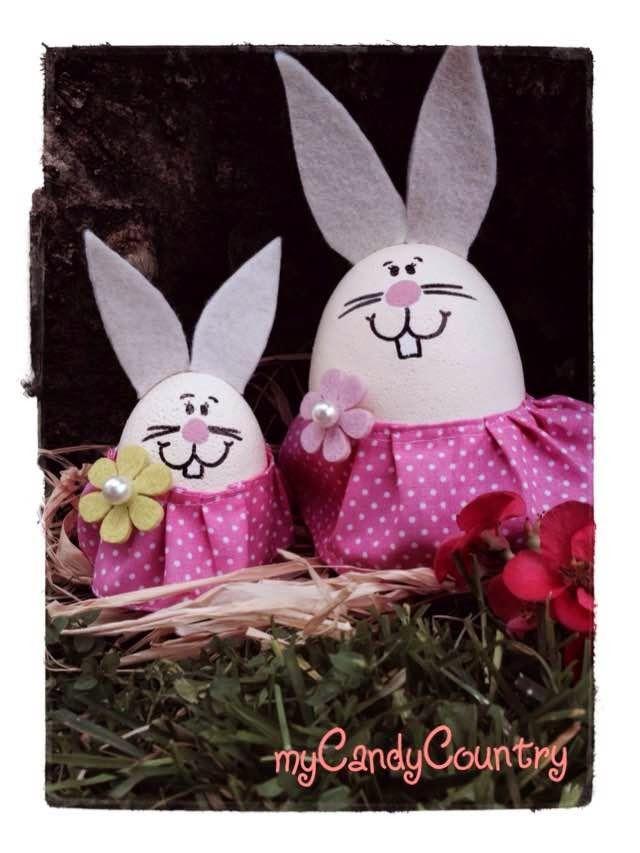 Coniglio di Pasqua con uova di polistirolo