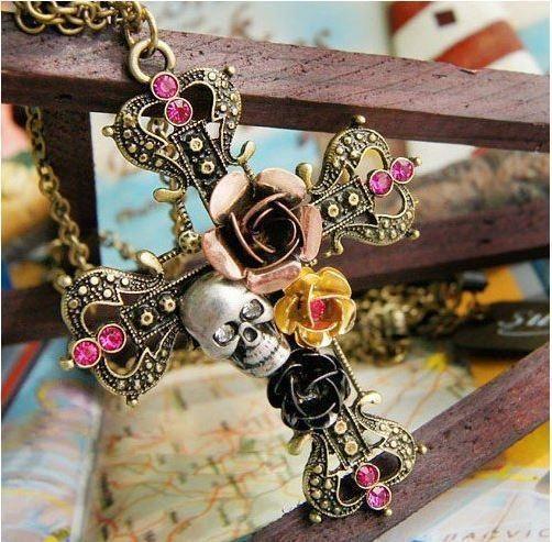 Halsband kors med blommor, döskalle och strass goth