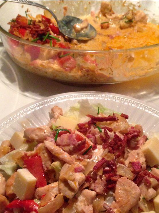 """CDJetteDC's LCHF: Hurtig kylling i fad - LCHF / low carb. Nemmere kan din aftensmad næsten ikke blive, hvis denne """"hurtige kylling i fad"""" f.eks. serveres ovenpå en grøn salat: http://cdjettedcs.blogspot.dk/2014/03/hurtig-kylling-i-fad-lchf.html Velbekomme!"""