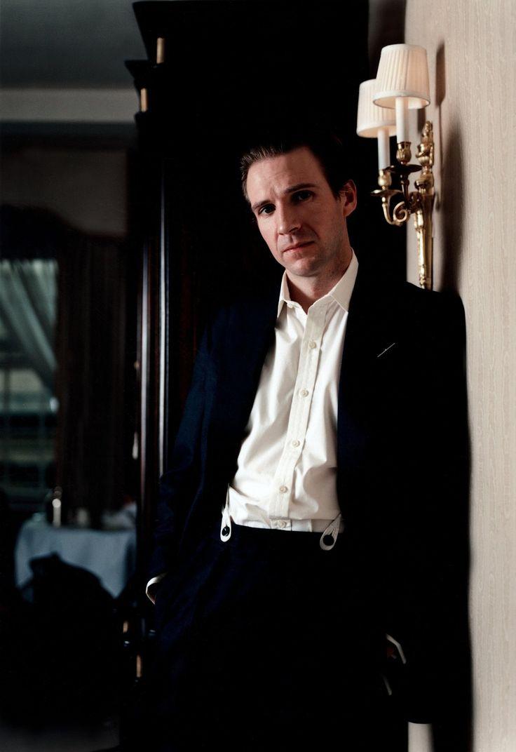 Ralph Fiennes. He's an ass but DAMN is he ever sexy.